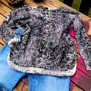 Cashmere sweater NWT
